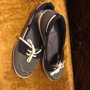 Keds shoes size 9 navy and white stripes